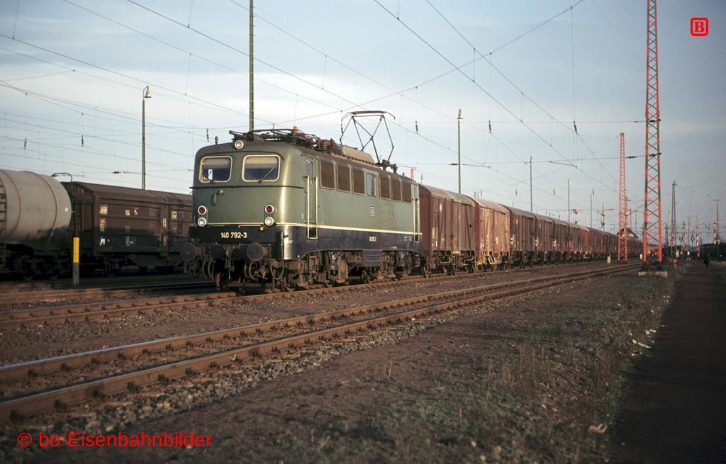 http://www.br141.de/bo-Eisenbahnbilder/data/media/1/01227_140_22A_49-db.jpg