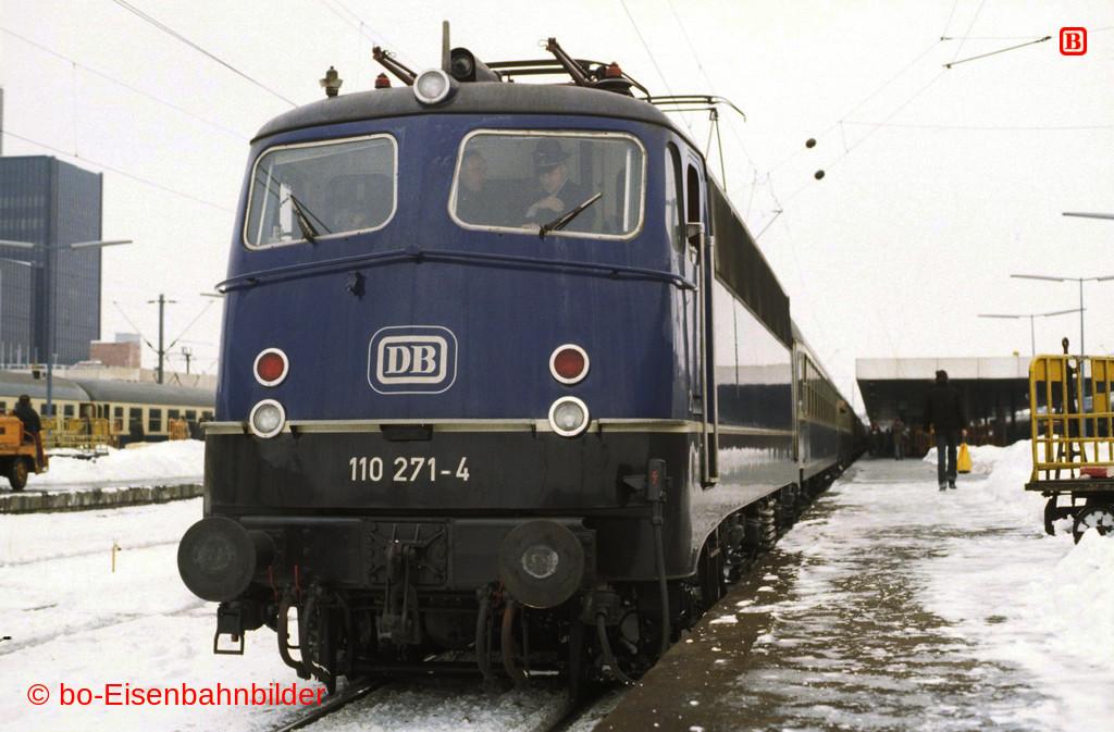 http://www.br141.de/bo-Eisenbahnbilder/data/media/1/01470_110_08A_19-db.jpg