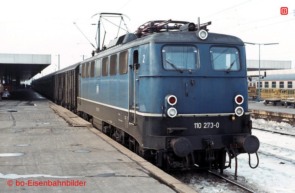 http://www.br141.de/bo-Eisenbahnbilder/data/media/1/01604_110_08A_27-db.jpg