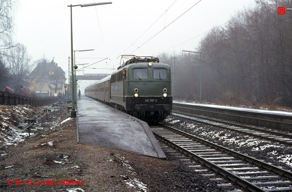http://www.br141.de/bo-Eisenbahnbilder/data/media/1/01897_140_22A_35-db.jpg