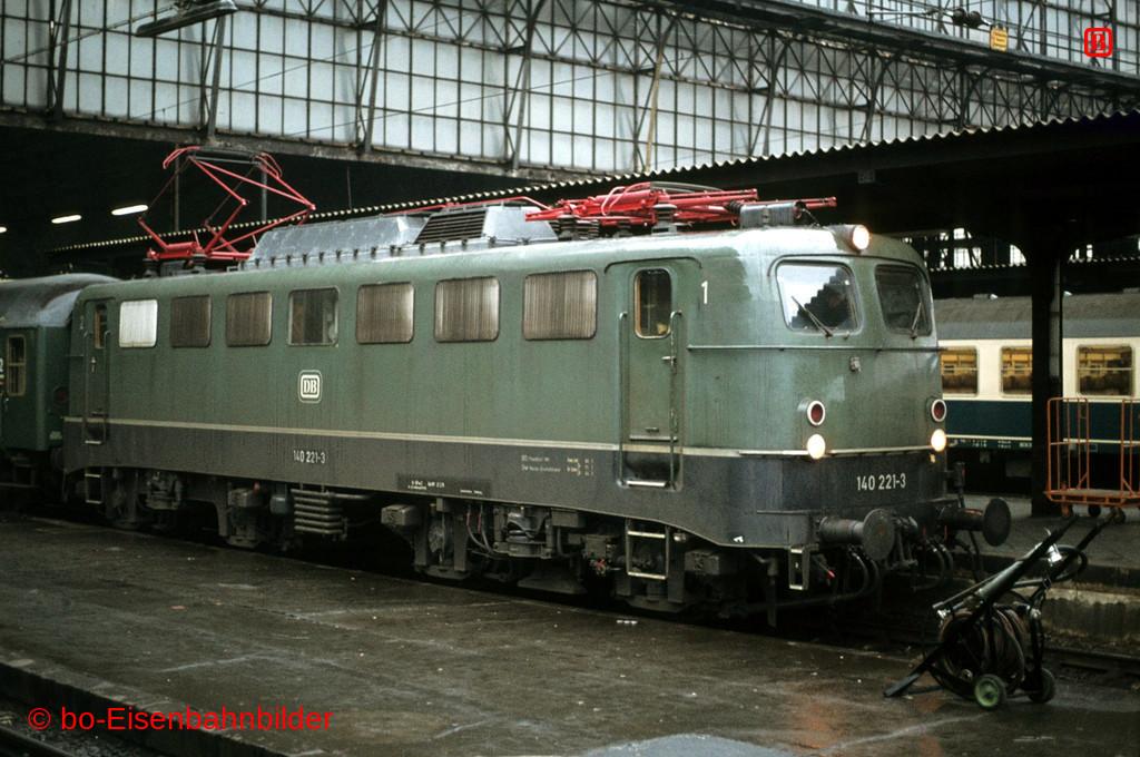 http://www.br141.de/bo-Eisenbahnbilder/data/media/1/02049_140_09A_12-d.jpg