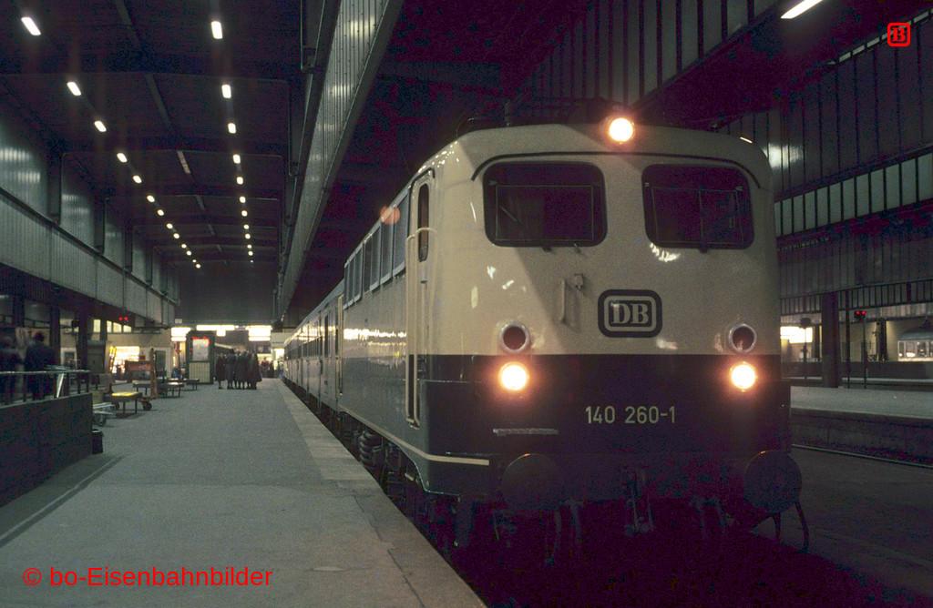 http://www.br141.de/bo-Eisenbahnbilder/data/media/1/02147_140_09B_30-db.jpg