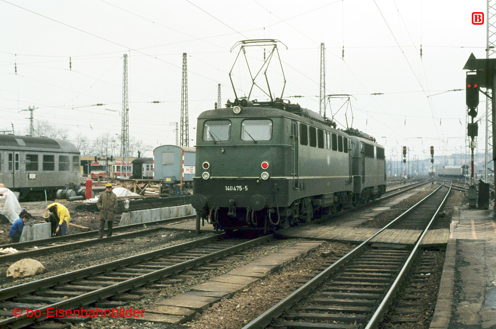 http://www.br141.de/bo-Eisenbahnbilder/data/media/1/02326_140_15A_04-b.jpg