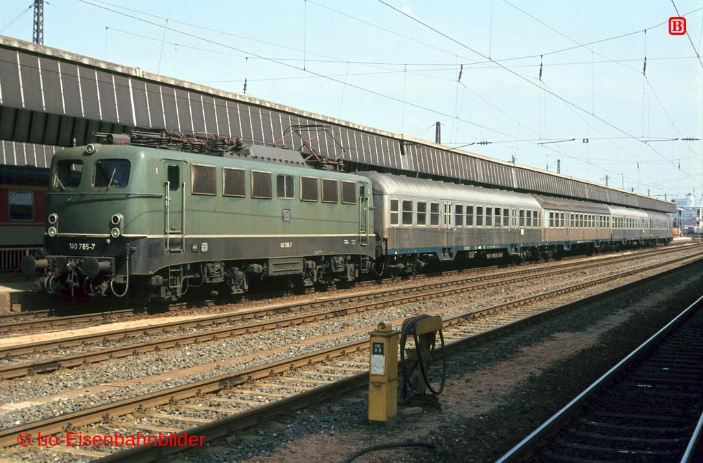 http://www.br141.de/bo-Eisenbahnbilder/data/media/1/02539_140_22A_27-b.jpg