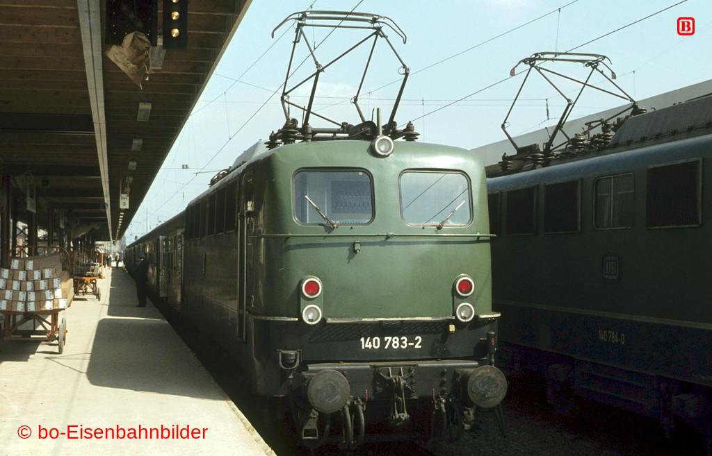 http://www.br141.de/bo-Eisenbahnbilder/data/media/1/02546_140_22A_21-db.jpg