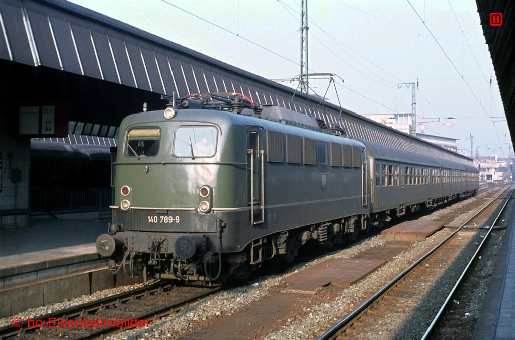 http://www.br141.de/bo-Eisenbahnbilder/data/media/1/05290_140_22A_44-b.jpg