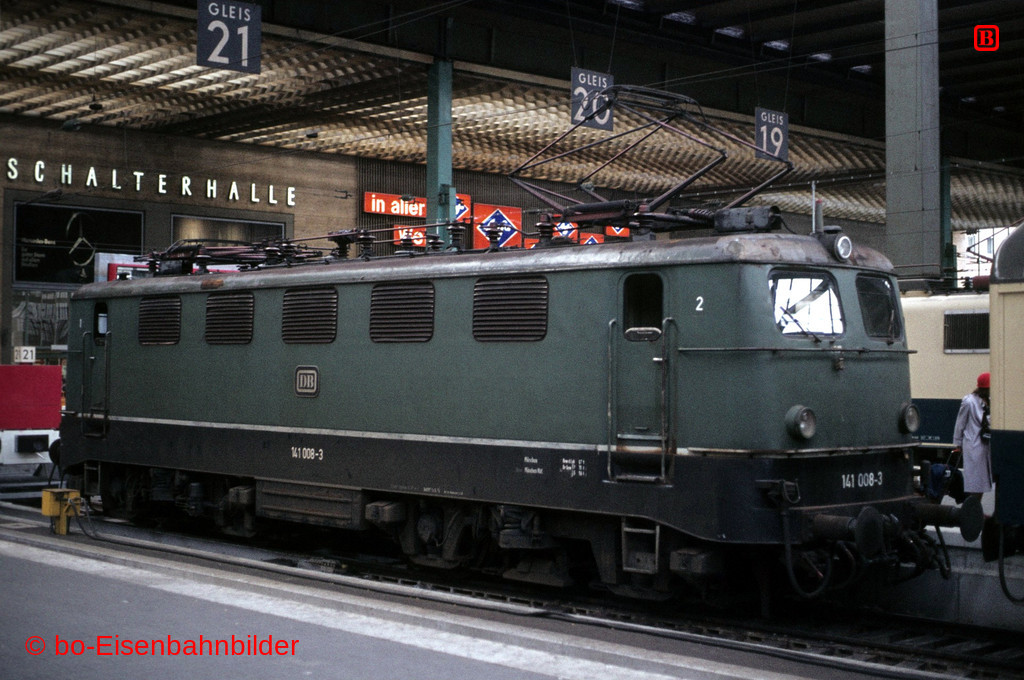 http://www.br141.de/bo-Eisenbahnbilder/data/media/1/06142_141_01A_27-b.jpg
