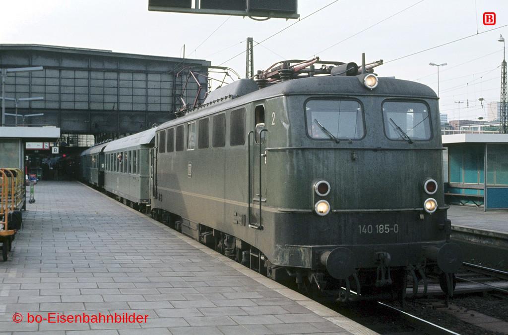 http://www.br141.de/bo-Eisenbahnbilder/data/media/1/06205_140_08A_50-b.jpg