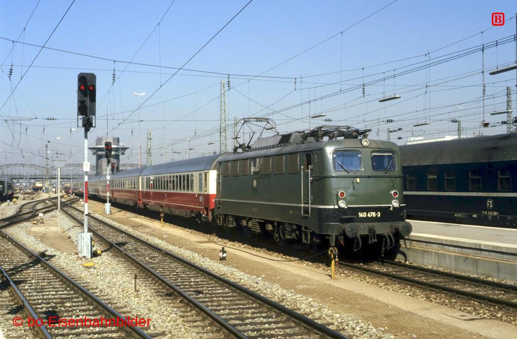 http://www.br141.de/bo-Eisenbahnbilder/data/media/1/09512_140_15A_06-b.jpg