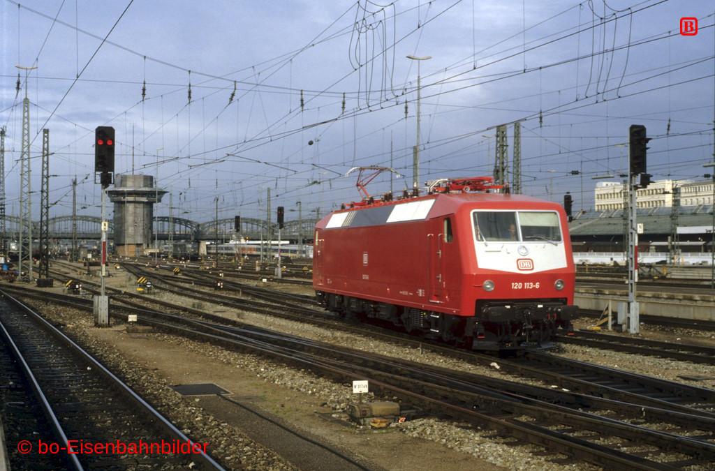http://www.br141.de/bo-Eisenbahnbilder/data/media/1/09852_120_02B_39-b.jpg