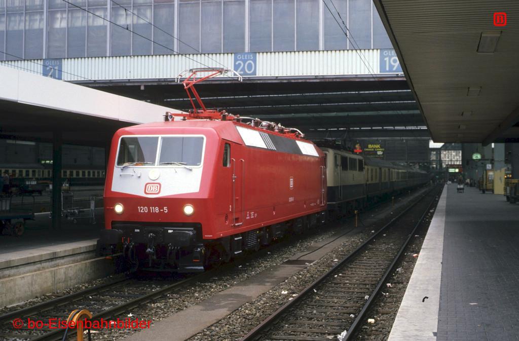 http://www.br141.de/bo-Eisenbahnbilder/data/media/1/09872_120_03A_26-db.jpg
