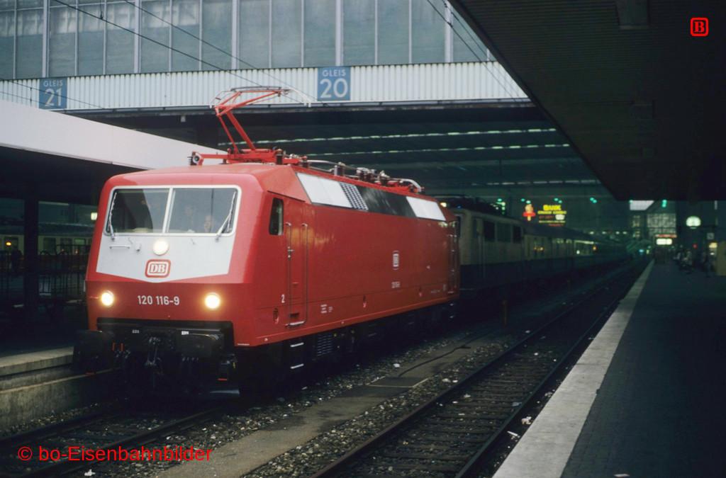 http://www.br141.de/bo-Eisenbahnbilder/data/media/1/09879_120_03A_16-db.jpg