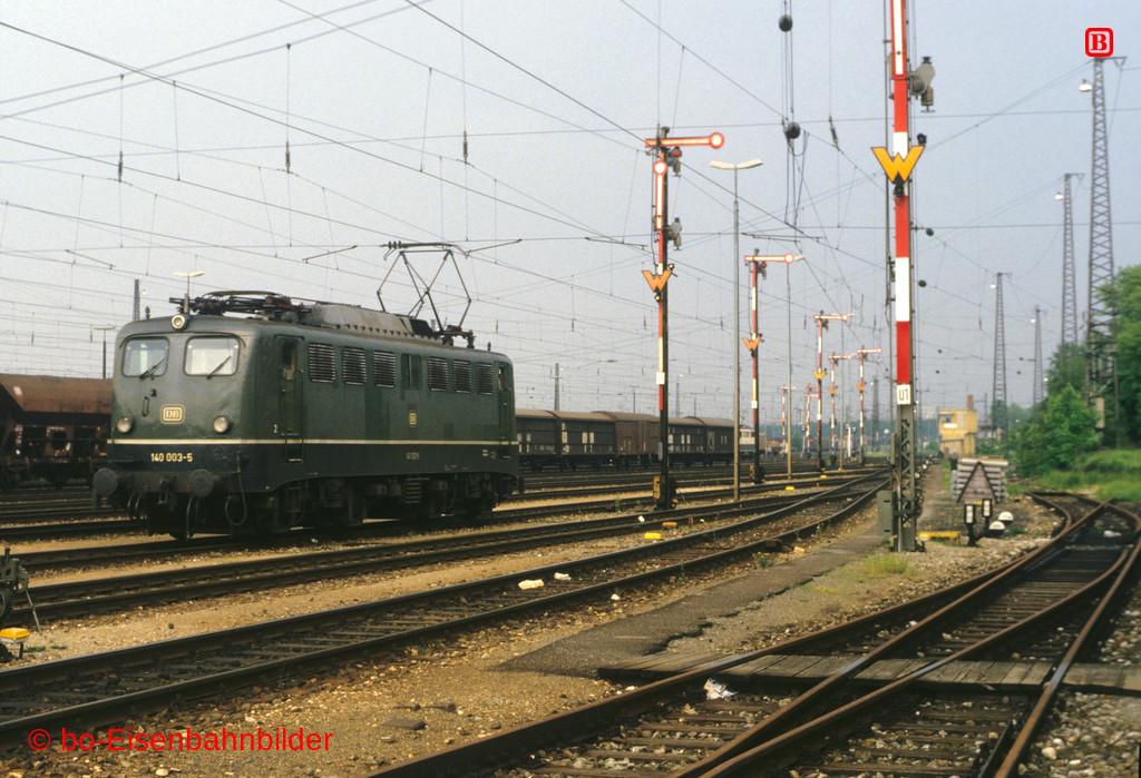 http://www.br141.de/bo-Eisenbahnbilder/data/media/1/11086_140_01A_15-ba.jpg