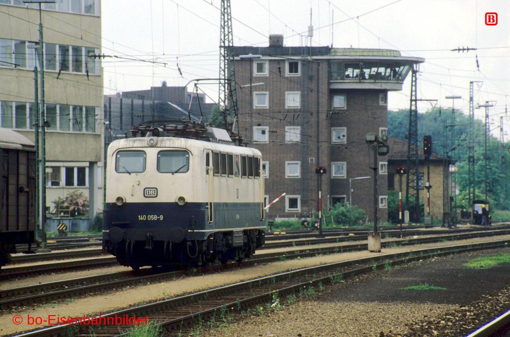 http://www.br141.de/bo-Eisenbahnbilder/data/media/1/11093_140_05A_32-b.jpg