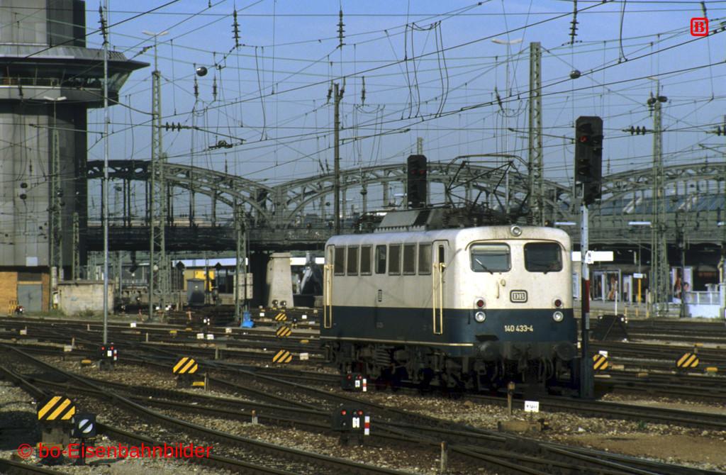 http://www.br141.de/bo-Eisenbahnbilder/data/media/1/11403_140_13A_47-db.jpg