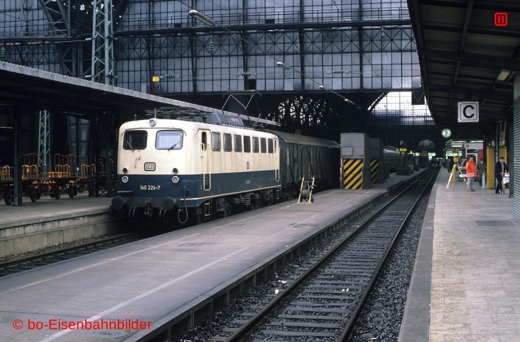http://www.br141.de/bo-Eisenbahnbilder/data/media/1/11808_140_09A_16-b.jpg