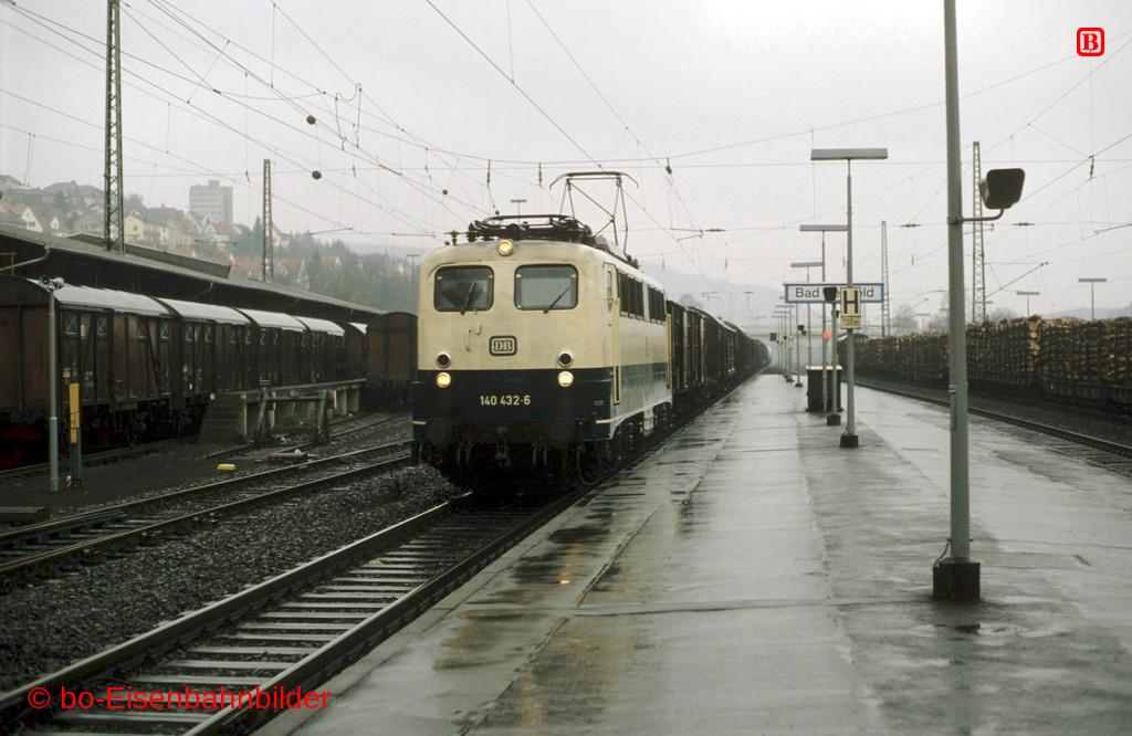 http://www.br141.de/bo-Eisenbahnbilder/data/media/1/11875_140_13A_44-db.jpg