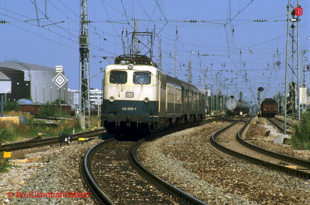 http://www.br141.de/bo-Eisenbahnbilder/data/media/1/14066_140_05A_34-b.jpg