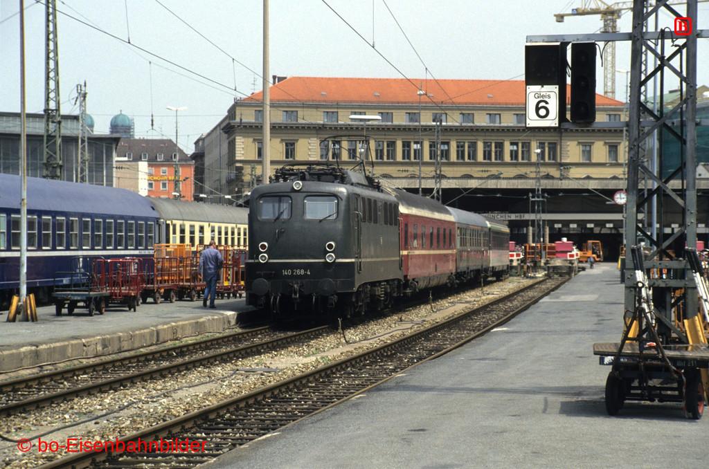 http://www.br141.de/bo-Eisenbahnbilder/data/media/1/15125_140_09B_44-db.jpg