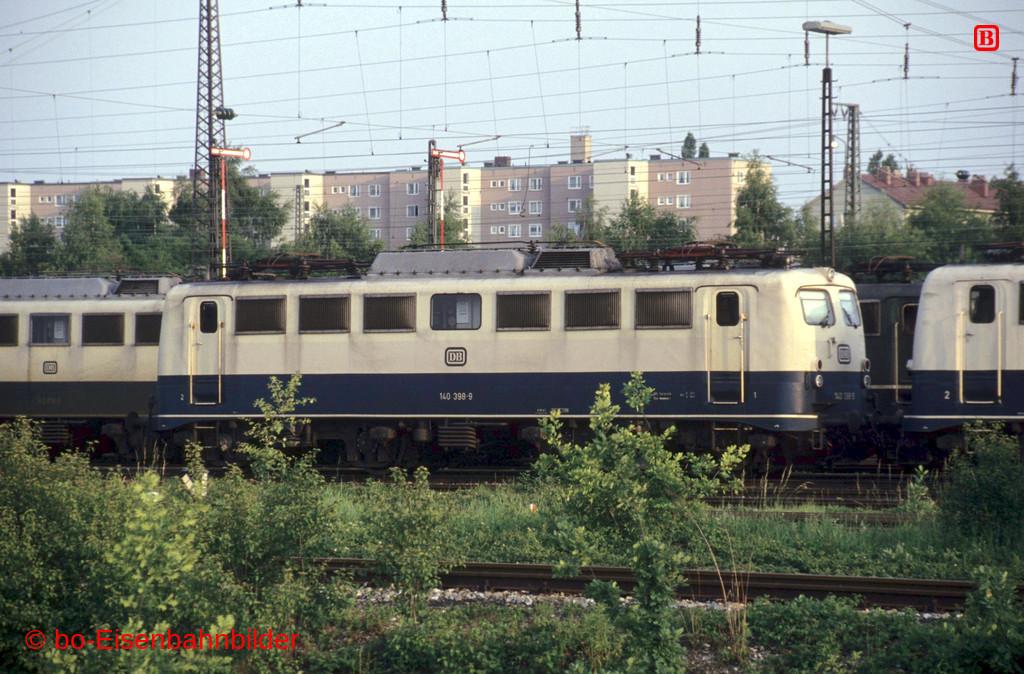 http://www.br141.de/bo-Eisenbahnbilder/data/media/1/15614_140_12B_31-db.jpg