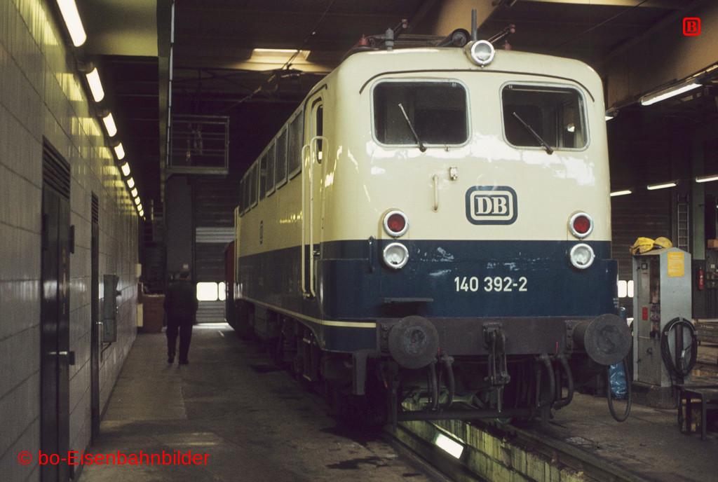 http://www.br141.de/bo-Eisenbahnbilder/data/media/2/01984_140_12B_21-db.jpg