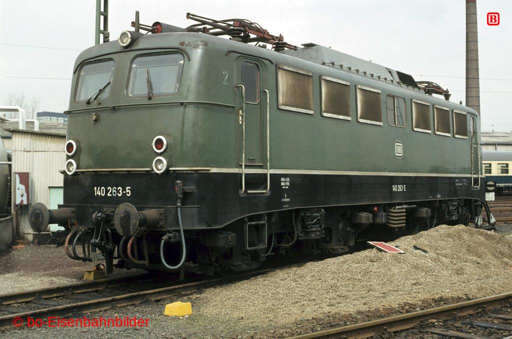 http://www.br141.de/bo-Eisenbahnbilder/data/media/2/02270_140_09B_38-b.jpg