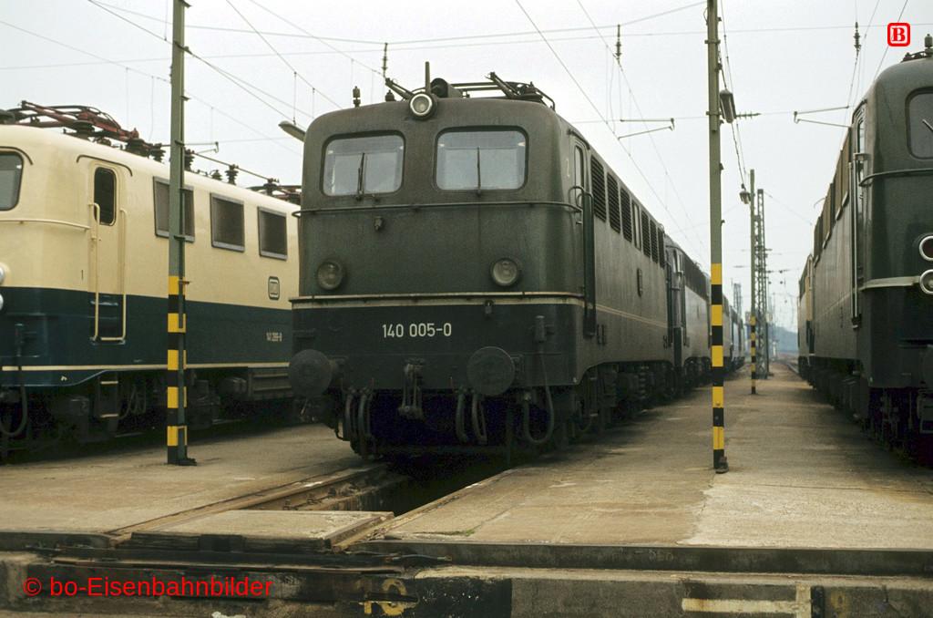 http://www.br141.de/bo-Eisenbahnbilder/data/media/2/02910_140_01A_26-b.jpg