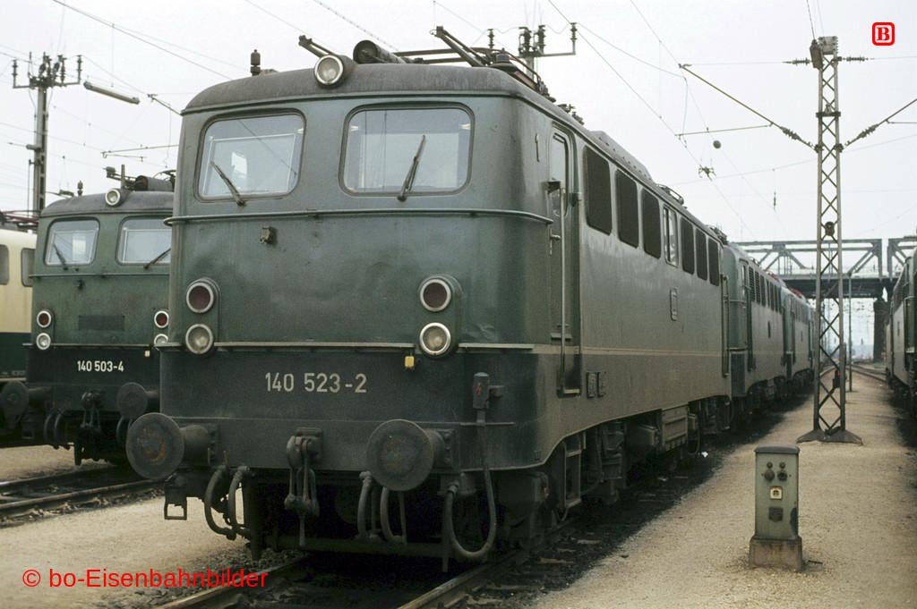 http://www.br141.de/bo-Eisenbahnbilder/data/media/2/02962_140_16A_32-db.jpg
