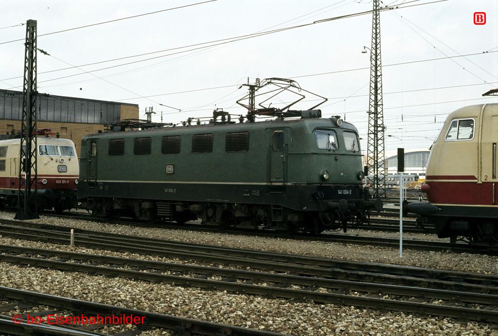 http://www.br141.de/bo-Eisenbahnbilder/data/media/2/03018_141_01A_12-db.jpg