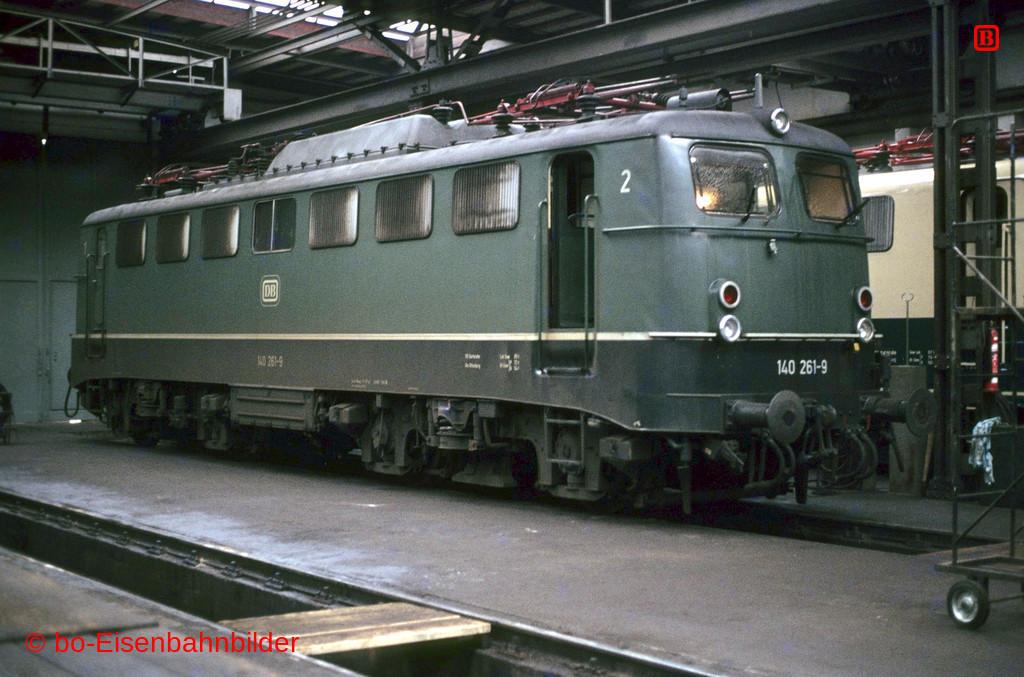 http://www.br141.de/bo-Eisenbahnbilder/data/media/2/03240_140_09B_33-b.jpg