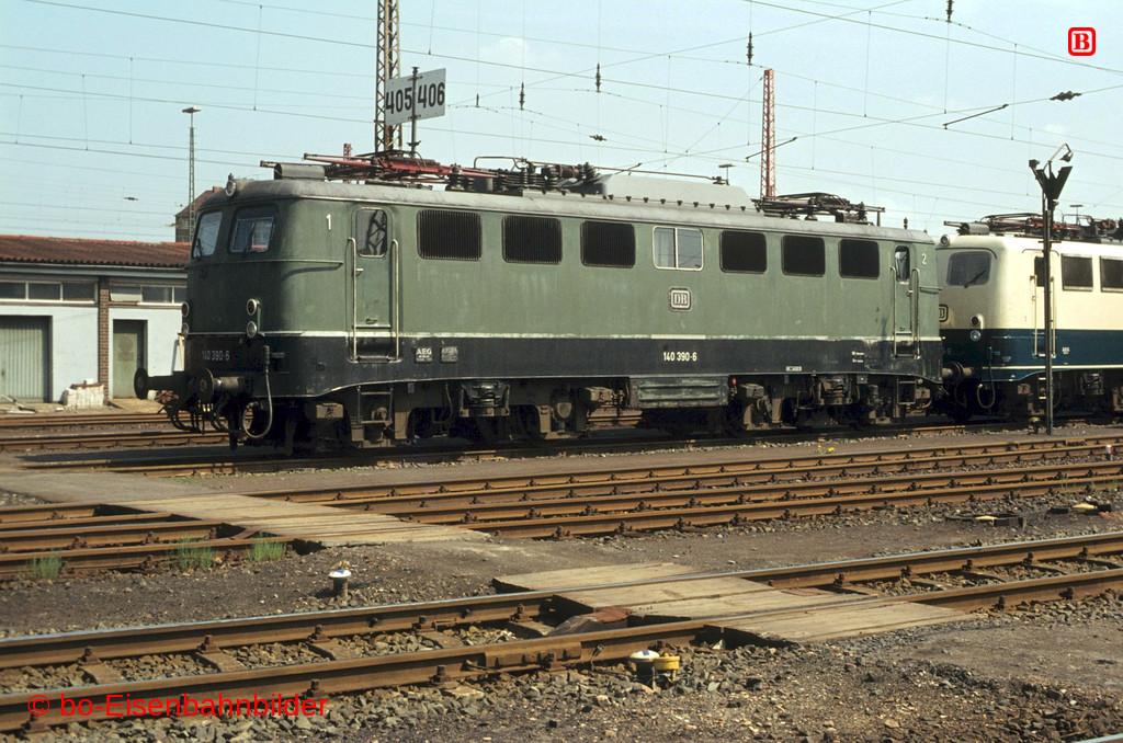 http://www.br141.de/bo-Eisenbahnbilder/data/media/2/03565_140_12B_14-b.jpg