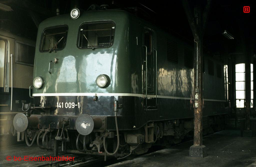http://www.br141.de/bo-Eisenbahnbilder/data/media/2/03793_141_01A_29-bd.jpg