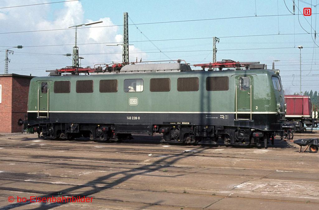 http://www.br141.de/bo-Eisenbahnbilder/data/media/2/06187_140_09A_23-db.jpg
