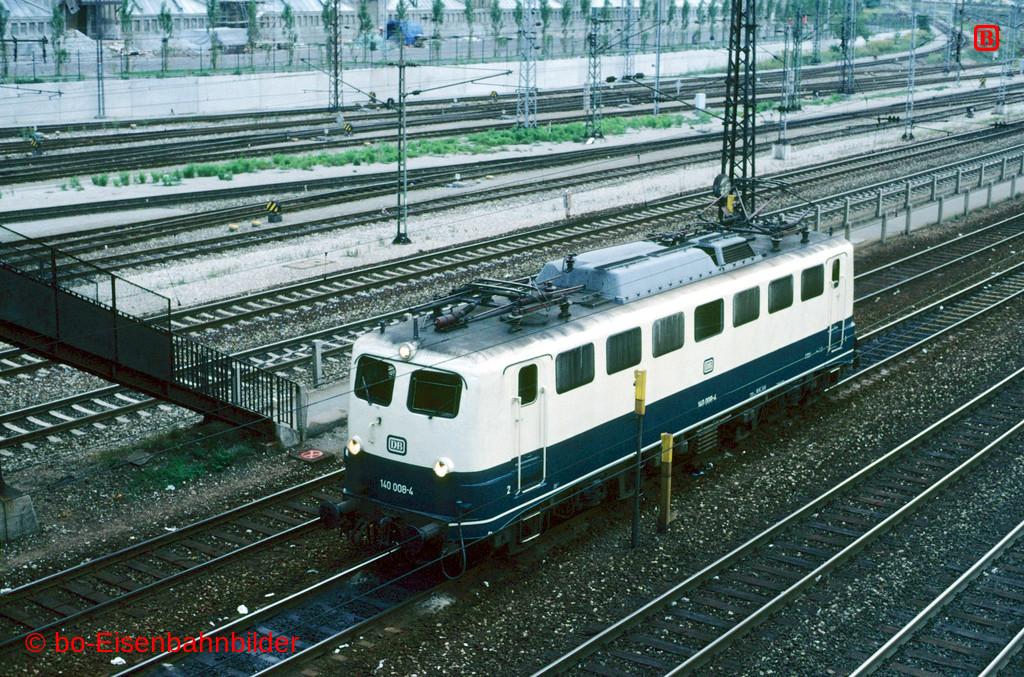 http://www.br141.de/bo-Eisenbahnbilder/data/media/2/09101_140_01B_08-db.jpg