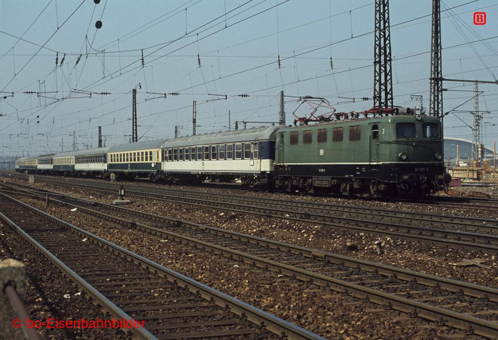 http://www.br141.de/bo-Eisenbahnbilder/data/media/4/02600_141_01A_18-b.jpg