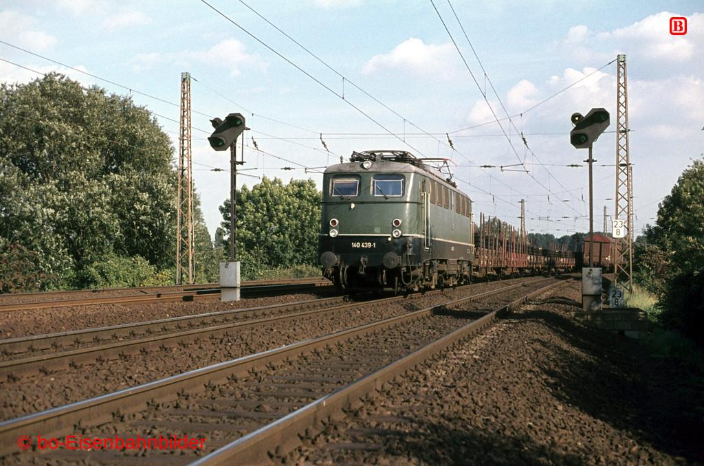 http://www.br141.de/bo-Eisenbahnbilder/data/media/4/04640_140_13B_18-b.jpg