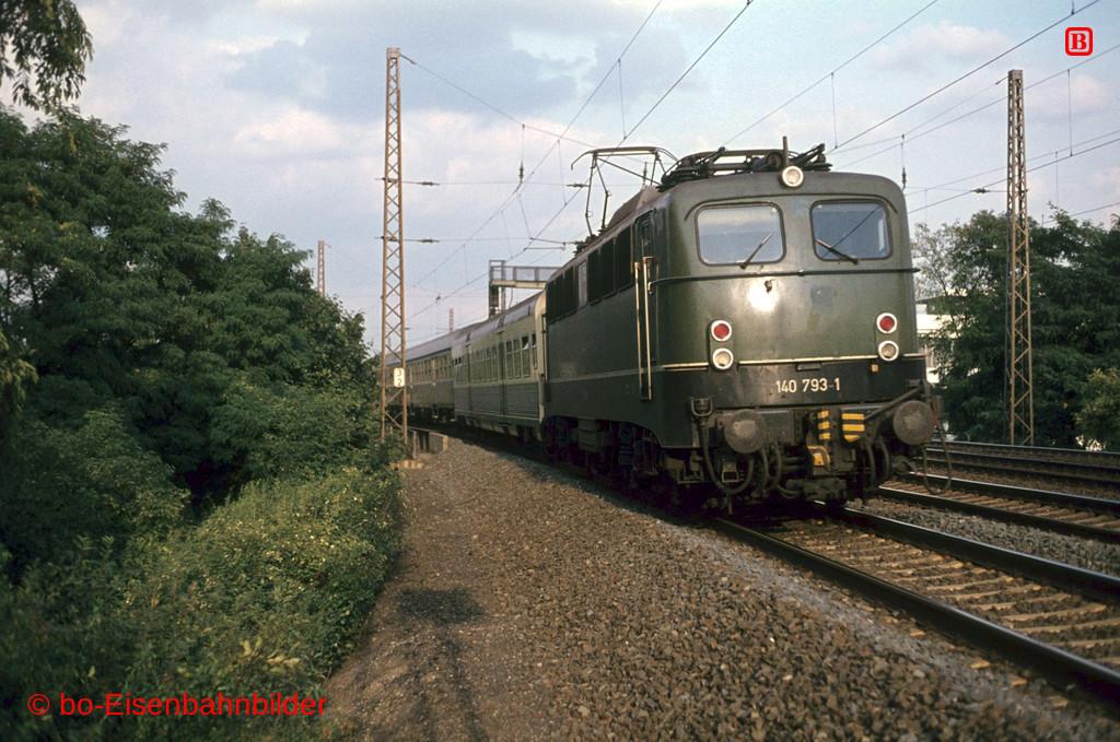 http://www.br141.de/bo-Eisenbahnbilder/data/media/4/04656_140_22B_10-db.jpg