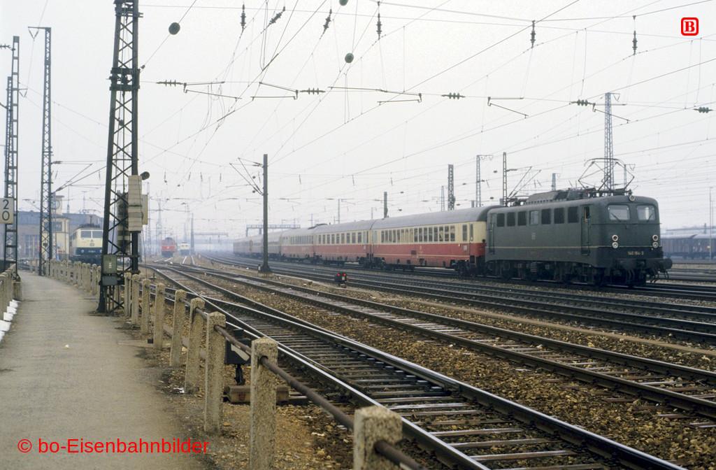 http://www.br141.de/bo-Eisenbahnbilder/data/media/4/09324_140_08A_46-db.jpg