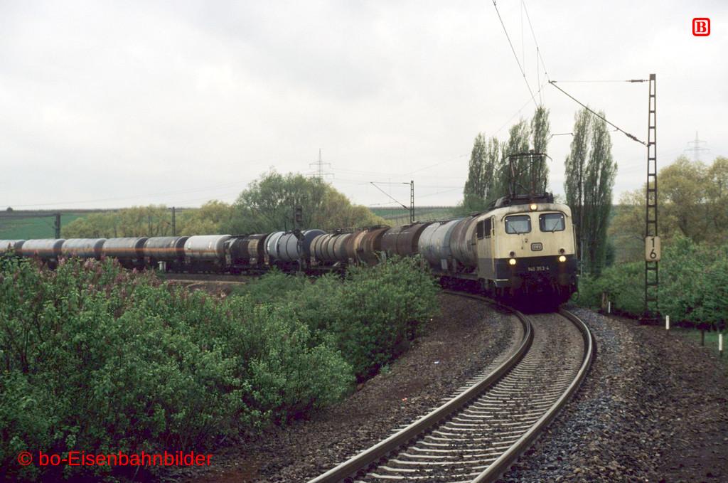http://www.br141.de/bo-Eisenbahnbilder/data/media/4/12161_140_11A_37-db.jpg
